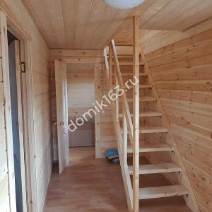 Внутренняя отделка дома в Молгачах. Прихожая