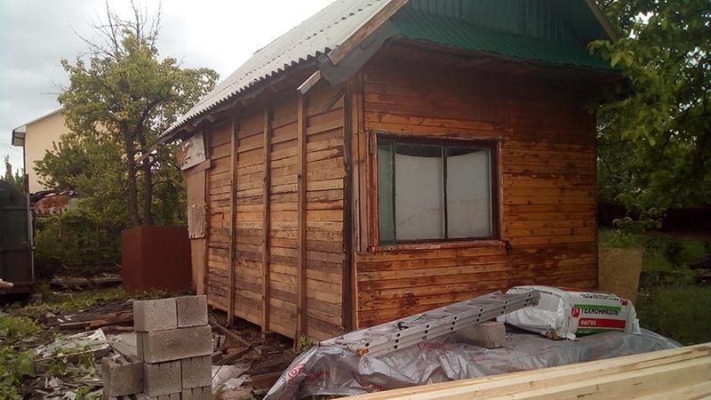 Старое дачное строение до ремонта